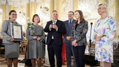 Polskie Radio, Stooq: Premier: nagroda Lodołamaczy wyznacza nowy styl pracy, uwzględniający wrażliwość społeczną