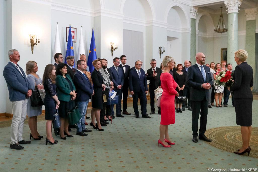 001-Spotkanie-Małżonki-Prezydenta-z-organizatorami-i-laureatami-XIV-edycji-konkursu