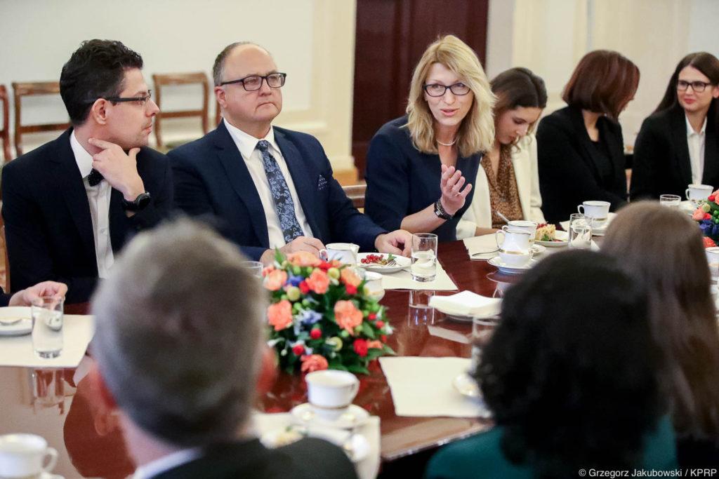 011-Spotkanie-Małżonki-Prezydenta-z-organizatorami-i-laureatami-XIV-edycji-konkursu