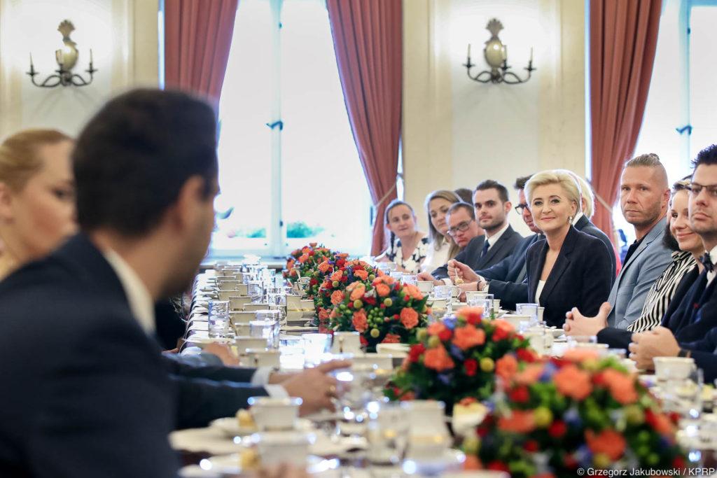 013-Spotkanie-Małżonki-Prezydenta-z-organizatorami-i-laureatami-XIV-edycji-konkursu