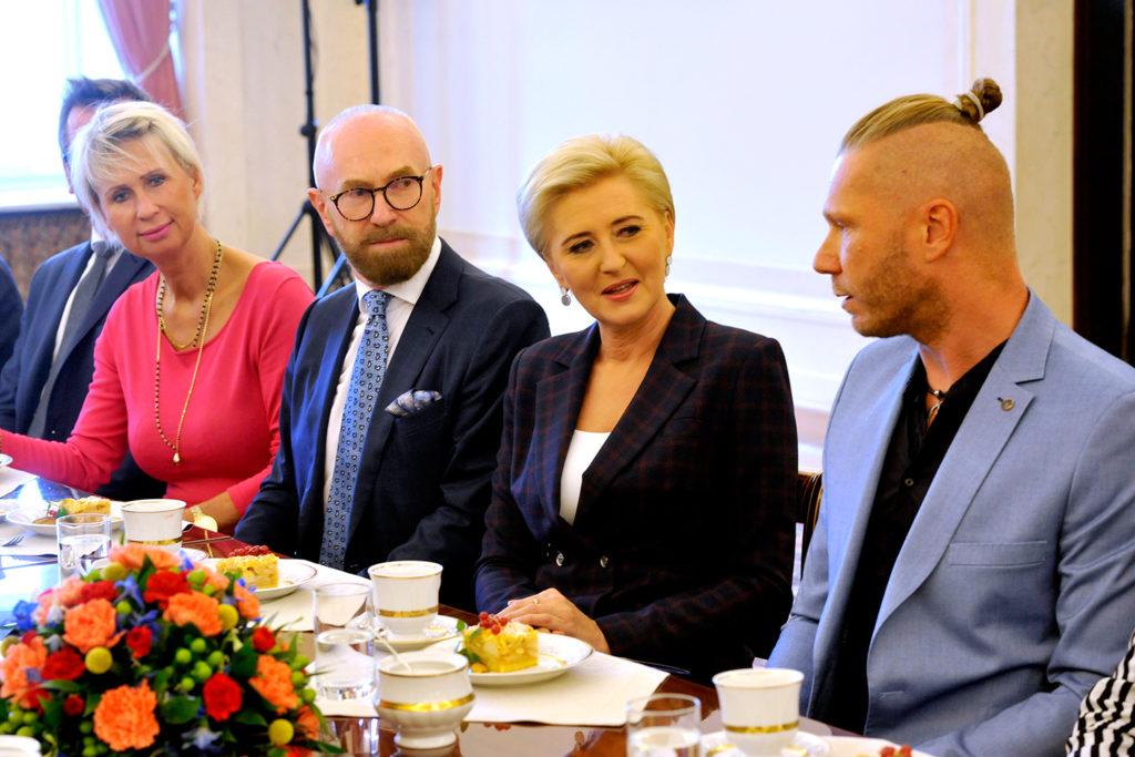 28Spotkanie-Małżonki-Prezydenta-z-organizatorami-i-laureatami-XIV-edycji-konkursu_lodołamacze-2019