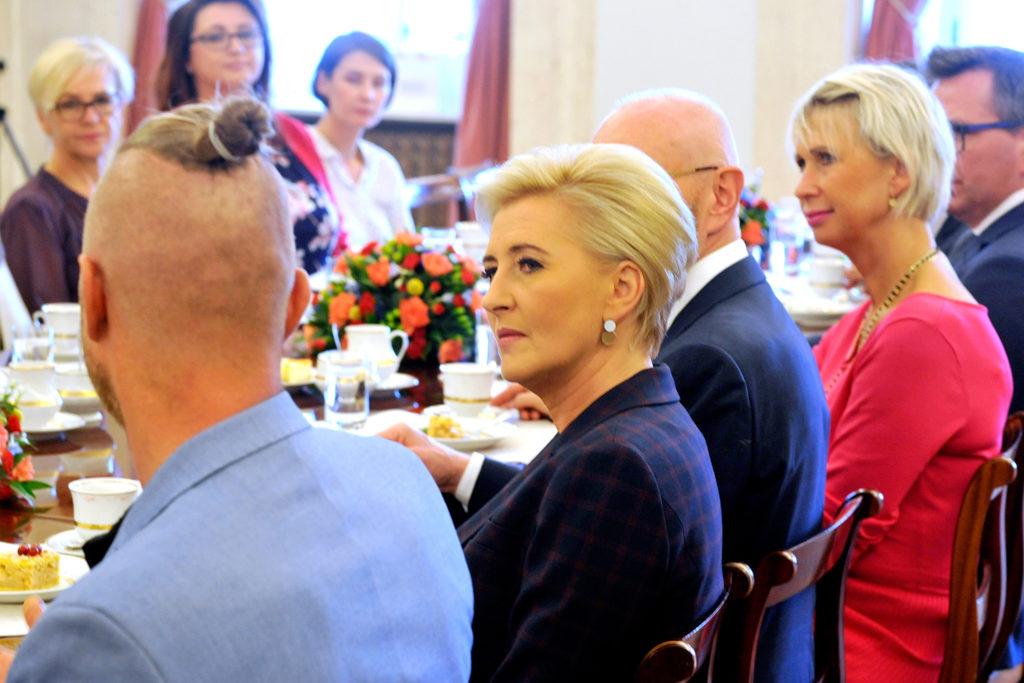 29Spotkanie-Małżonki-Prezydenta-z-organizatorami-i-laureatami-XIV-edycji-konkursu_lodołamacze-2019