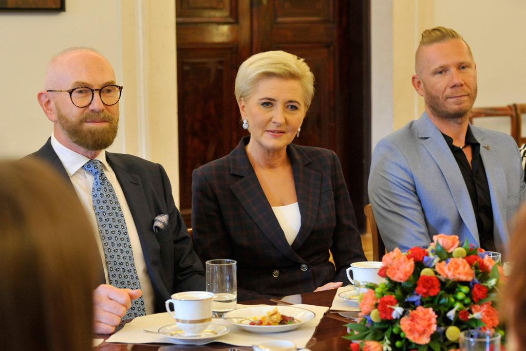 39Spotkanie-Małżonki-Prezydenta-z-organizatorami-i-laureatami-XIV-edycji-konkursu_lodołamacze-2019