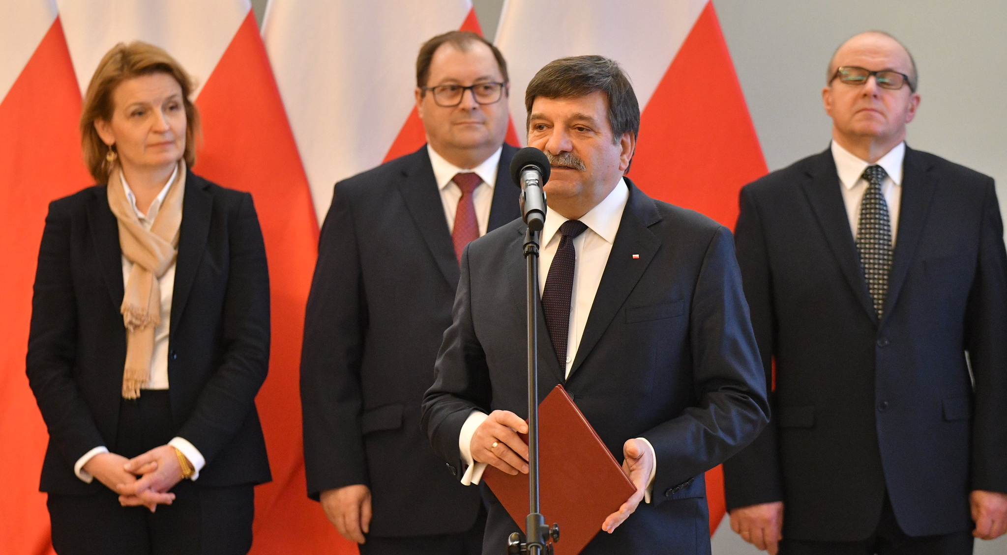 Jan Śniadek podczas pierwszego posiedzenia rady, fot. Łukasz Błasikiewicz / Kancelaria Sejmu